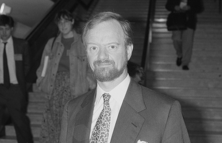 foreign secretary: Brighton, England - October 1, 1991 - Robin Cook, Shadow Health Secretary and Labour party Member of Parliament for Livingston, attends the party conference. He was later Foreign Secretary. He died in August 2005.