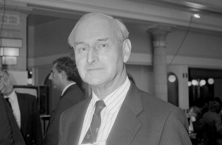 Blackpool, Inghilterra - Ottobre 10,1989 - Terence Higgins, membro del partito conservatore del Parlamento per Worthing, partecipa al congresso del partito.