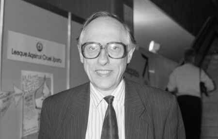 donald: Brighton, England - October 1, 1991 - Rt.Hon. Donald Dewar, Labour party Member of Parliament for Glasgow Garscaddon, attends the party conference. He died in October 2000.