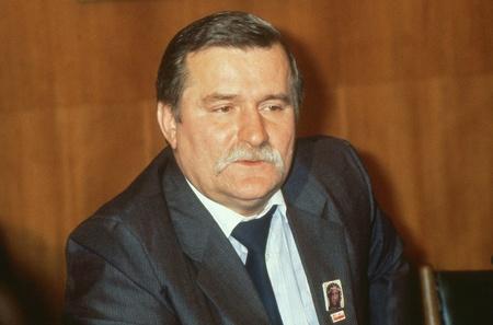 Londra, Inghilterra - 30 novembre 1989 - Lech Walesa, Presidente della Polonia, partecipa a una conferenza stampa presso il Trades Union Congress. Editoriali