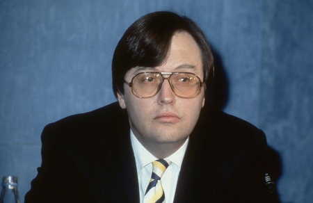 London, England - March 16, 1992 - Rt.Hon. David Mellor, Chief Secretary to The Treasury and Conservative party Member of Parliament for Putney, attends a press conference. Stock Photo - 12877359