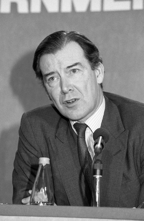 London, England - February 26, 1992 - Rt.Hon. Ian Lang, Secretary of State for Scotland and Conservative party Member of Parliament for Galloway and Upper Nithsdale, speaks at a press conference. Stock Photo - 13096182