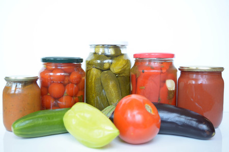 airtight: Fresh and canned vegetables