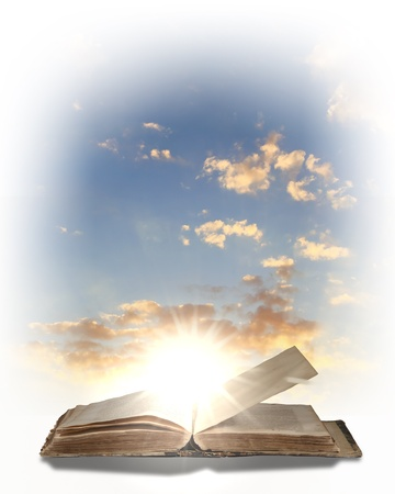 lectura y escritura: Libro de magia con la luz que proviene de su interior
