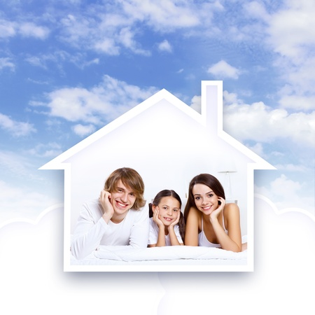 morgage: Young family with a daughter and house