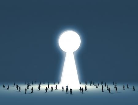Groep van kleine mensen lopen in een poort de vorm van een sleutelgat Stockfoto