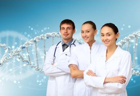 줄기: 색상 배경에 DNA 가닥의 이미지