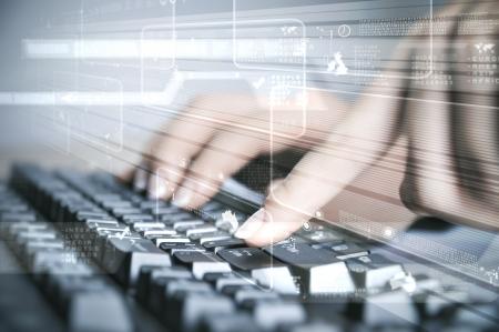 keyboard computer: Teclado de computadora y varias im�genes de los medios sociales
