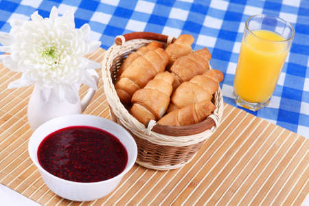 caf: Continental breakfast with croisant and orane juice