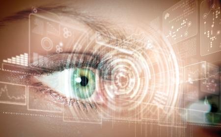 vision futuro: Ojo informaci�n visual digital representado por c�rculos y signos Foto de archivo