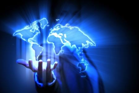 Fond bleu de technologie mondiale avec la carte de la plan�te Terre Banque d'images