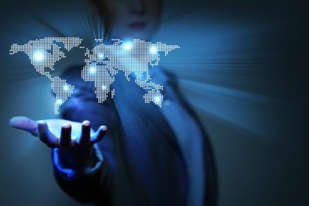 lider: Fondo azul de la tecnolog�a global con el mapa del planeta Tierra