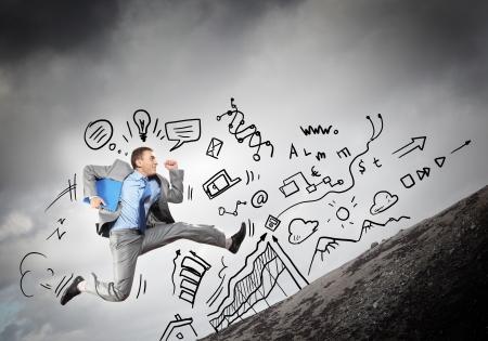 젊은 사업가 비즈니스 콜라주 점프의 이미지