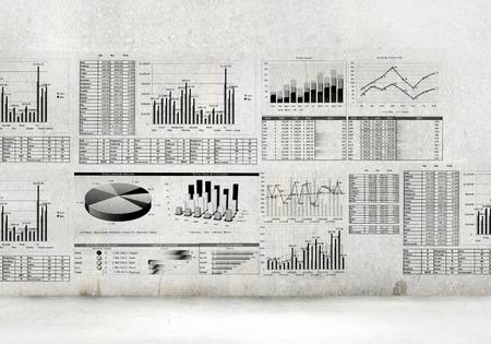 계획: 손으로 그린 도표 및 그래프와 금융 개념 이미지