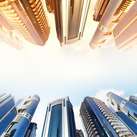 rascacielos: Vista inferior del moderno distrito de negocios de rascacielos Foto de archivo