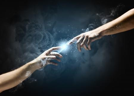 Michelangelo Gods aanraking Close-up van menselijke handen aanraken met vingers Stockfoto
