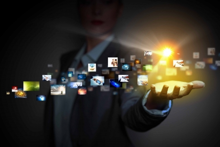 conception: Les icônes des applications dans les technologies sans fil de la main de l'homme Banque d'images
