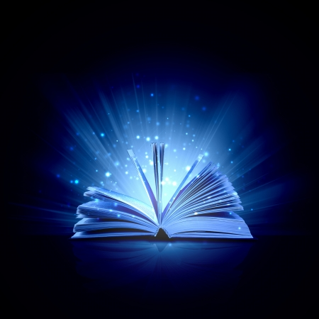 offen: Bild der geöffneten Buch mit Magie magische Lichter Lizenzfreie Bilder