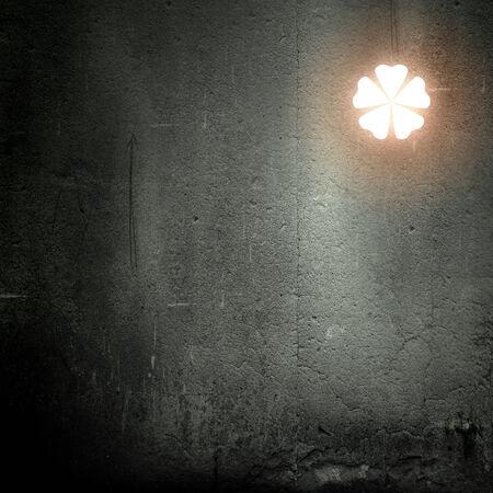 cloverleafes: Immagine di sfondo con il trifoglio su sfondo scuro