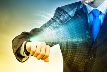 puntualidad: Empresario busca en tecnolog�as e innovaciones de los medios de reloj de pulsera