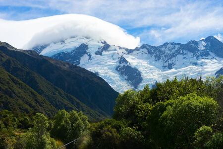 franz josef: Natural landscape of New Zealand alps and glaciers