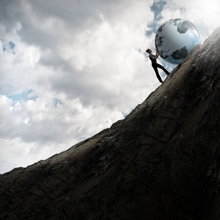 Empresaria planeta Tierra balanceo de la colina