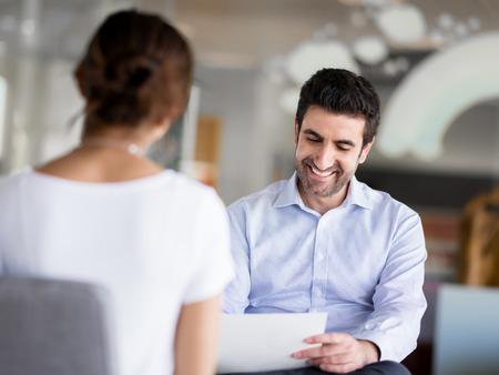 Interview van twee business professionals Stockfoto