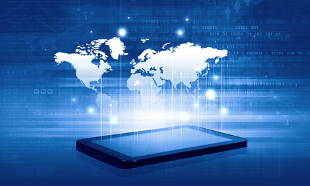 Moderno concepto de tecnología de la comunicación con el teléfono móvil en el fondo de alta tecnología