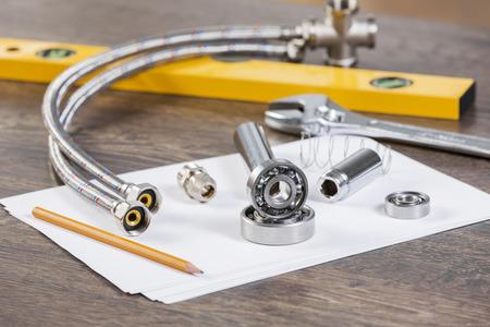 fontaneria: Todos los tipos de fontanería y herramientas en hoja de papel