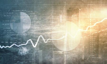 Conceptueel beeld met de financiële tabellen en grafieken op de stad achtergrond Stockfoto