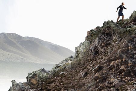 escalada: Joven empresaria determin� subir la monta�a para llegar a la parte superior