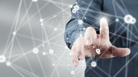 Zakenman hand aanraken met digitale aansluiting lijnen vinger op het virtuele scherm Stockfoto - 50638476