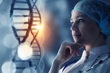 DNA 분자의 미디어 배경에서 여자 과학자