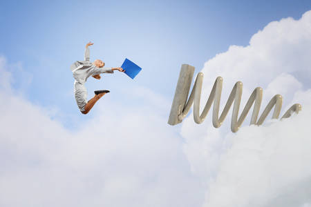 springboard: Saltar Empresaria en trampolín como concepto de progreso