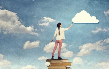 Peinture murale femme en couleurs. Techniques mixtes Banque d'images - 71393427