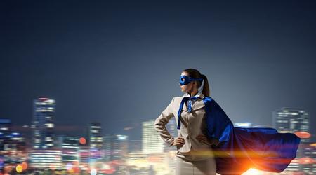 スーパー ヒーローとして力強い。ミクスト メディア