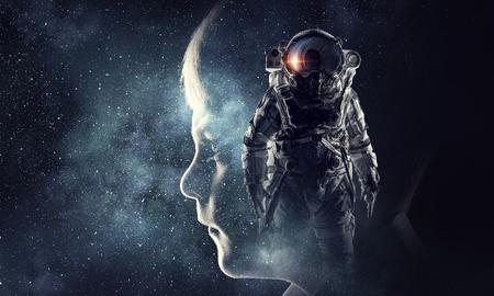 Astronaut in de ruimte. Gemengde media . Gemengde media