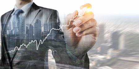 Dynamique de croissance financière . techniques mixtes Banque d'images - 76490476