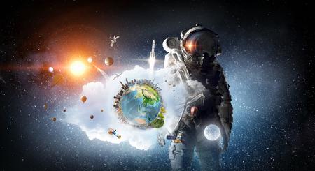 Űrhajós a világűrben. Kevert média Stock fotó - 77110136