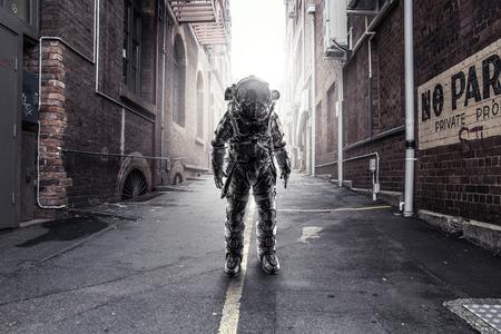 Astronaut die in de stad is geland