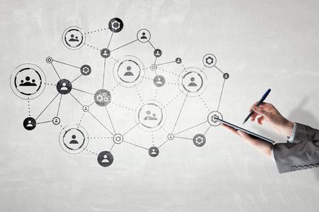 Draadloze verbinding en nieuw technologieconcept. Gemengde media Stockfoto