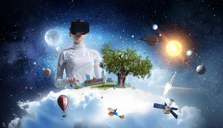 Meest indrukwekkende entertainment technologieën. Gemengde media Stockfoto - 78316620