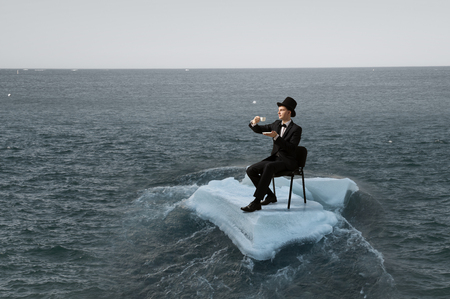 얼음 빙원에 서핑 바다입니다. 혼합 매체 스톡 콘텐츠
