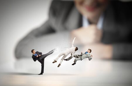 peep: Business conflict and confrontation