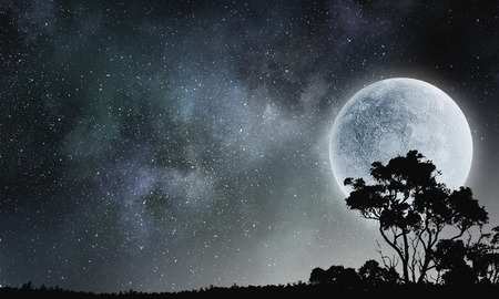 月と雲の夜の空の背景イメージ 写真素材