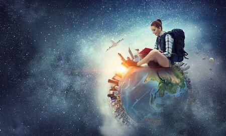 Sonhe para viajar ao redor do mundo. Meios mistos Foto de archivo