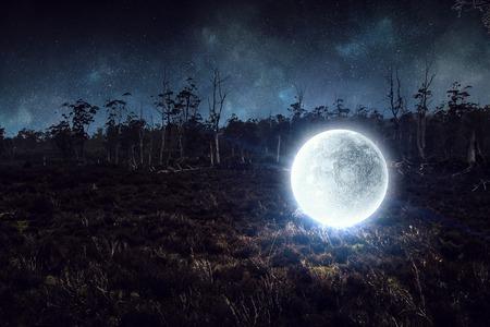 それが満月です。ミクスト メディア 写真素材