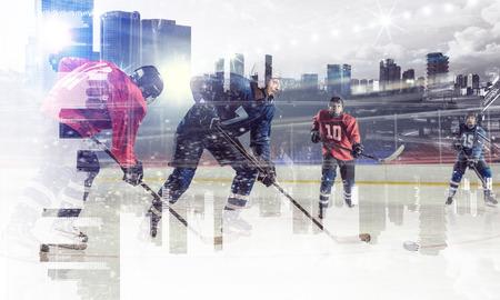 Joueurs de hockey sur glace. Technique mixte Banque d'images - 83481712