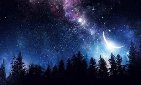 スタリ ・澄んだ夜空。ミクスト メディア