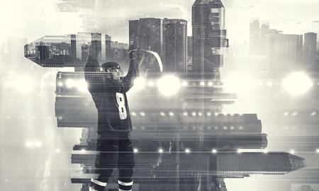 Joueur de hockey célébrant la victoire. Médias mélangés Banque d'images - 83479933